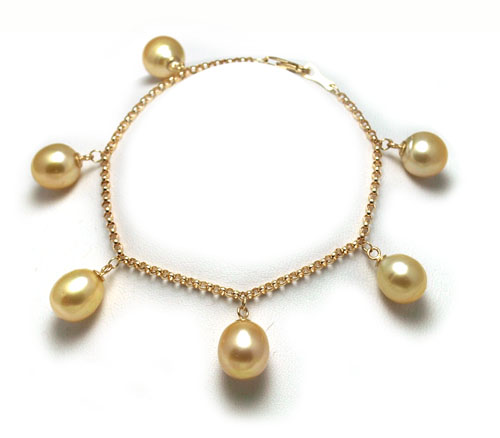 Charm style golden South Sea pearl bracelet