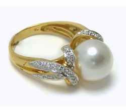 White South Sea Pearl Rings