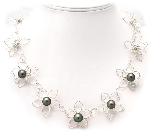 Silver Flower Necklace with Peacock Tahitian Pearls